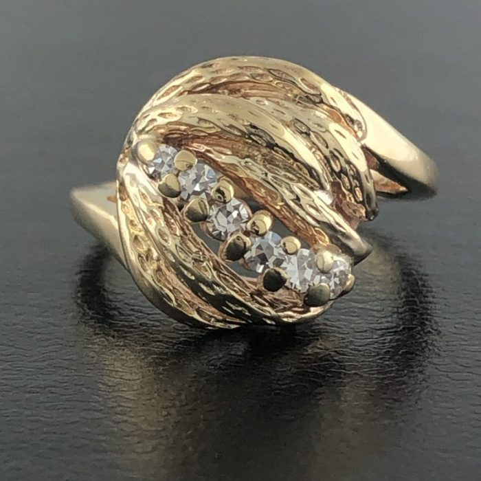 """14K YELLOW GOLD AND DIAMOND RING/5.0G/ SIZE 5.25"""""""