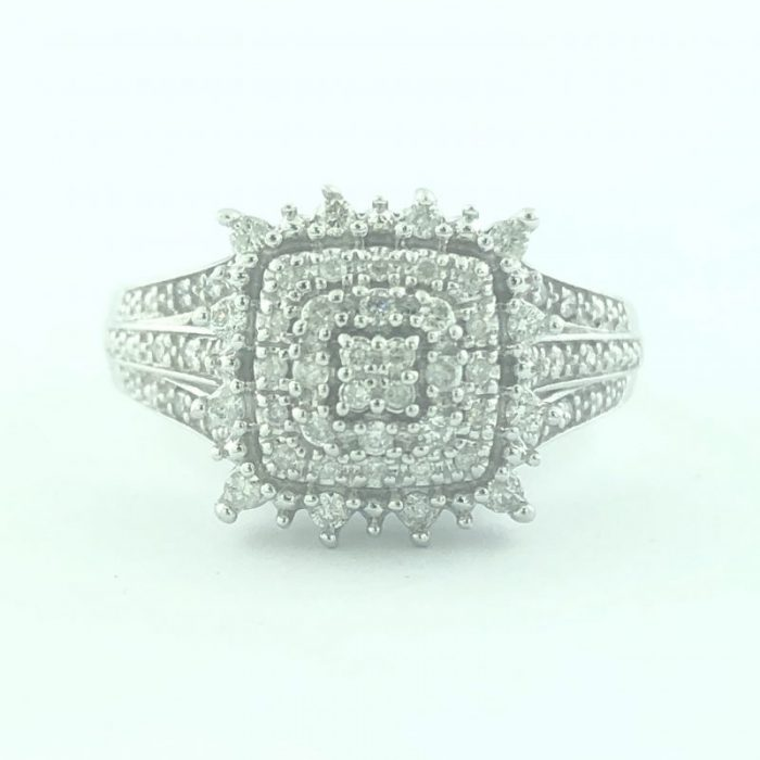 10K WHITE GOLD ENGAGEMENT RING/3.6G/7.25""