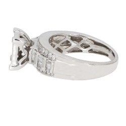 "DIAMOND ENGAGEMENT RING- 10K WHITE GOLD  4.3G  1.00CT TDW  SIZE 7"""