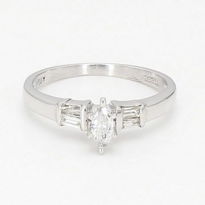 Diamond  Ring  R102718B