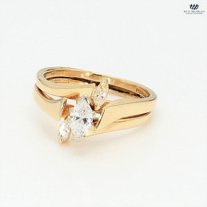 Marquise Diamond Ring N060221G