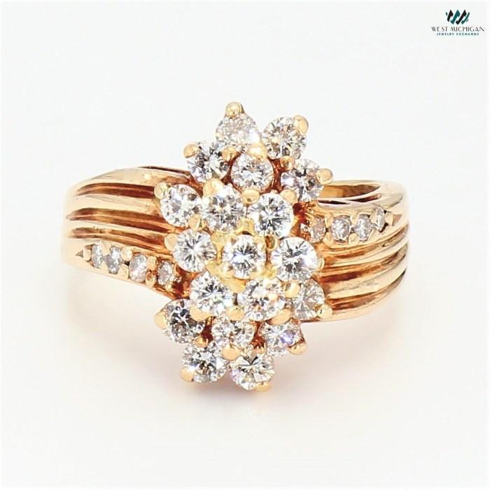 Cluster Diamond Fashion Ring  R101317