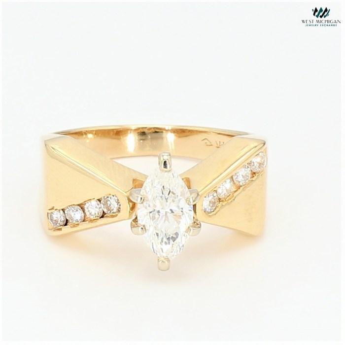 Diamond ring R12221E